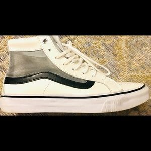 NWOT! VANS Authentic White Leather HiTop w/Mesh